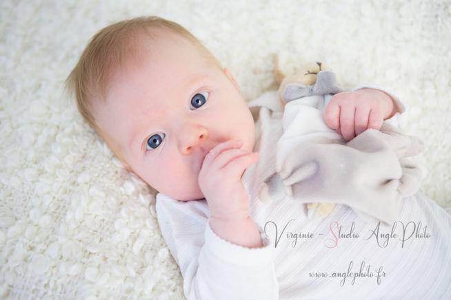 portrait bebe doudou