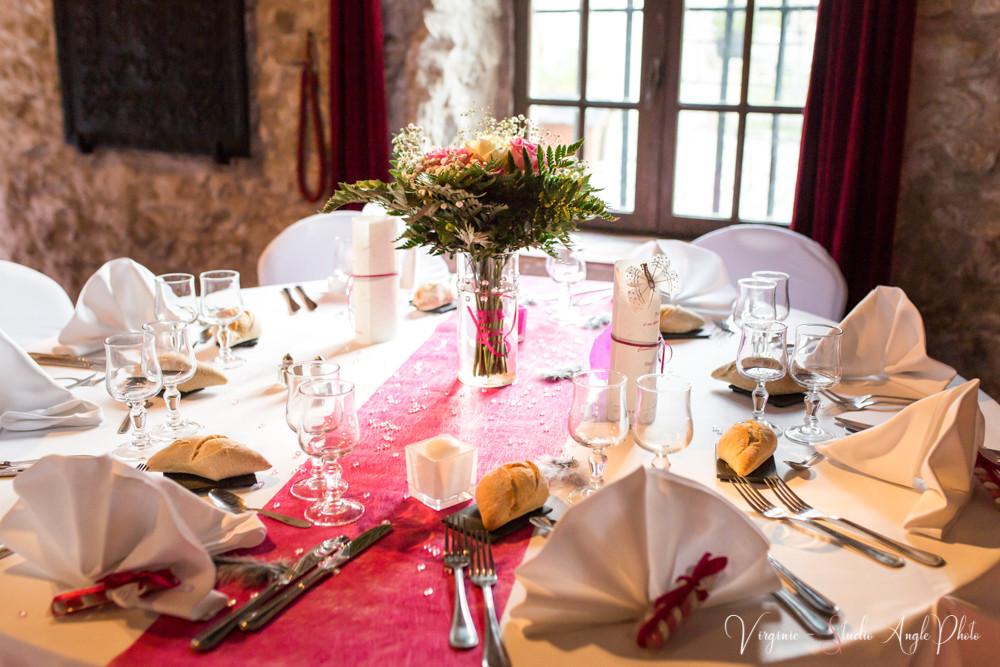 la décoration des tables de la salle de mariage
