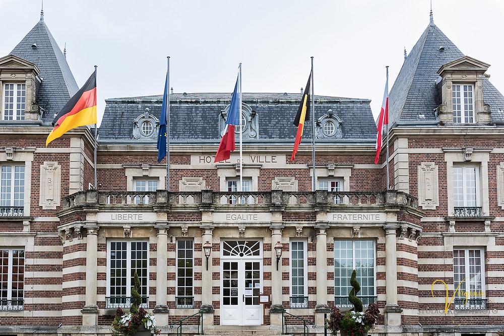 façade de l'hôtel de ville de crépy en valois