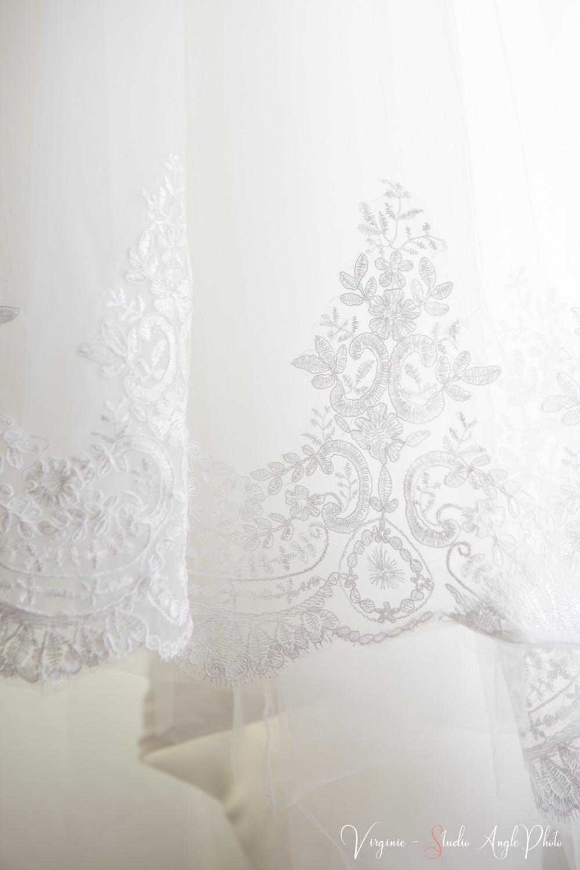 photo detail de la robe de mariee zoom sur la dentelle