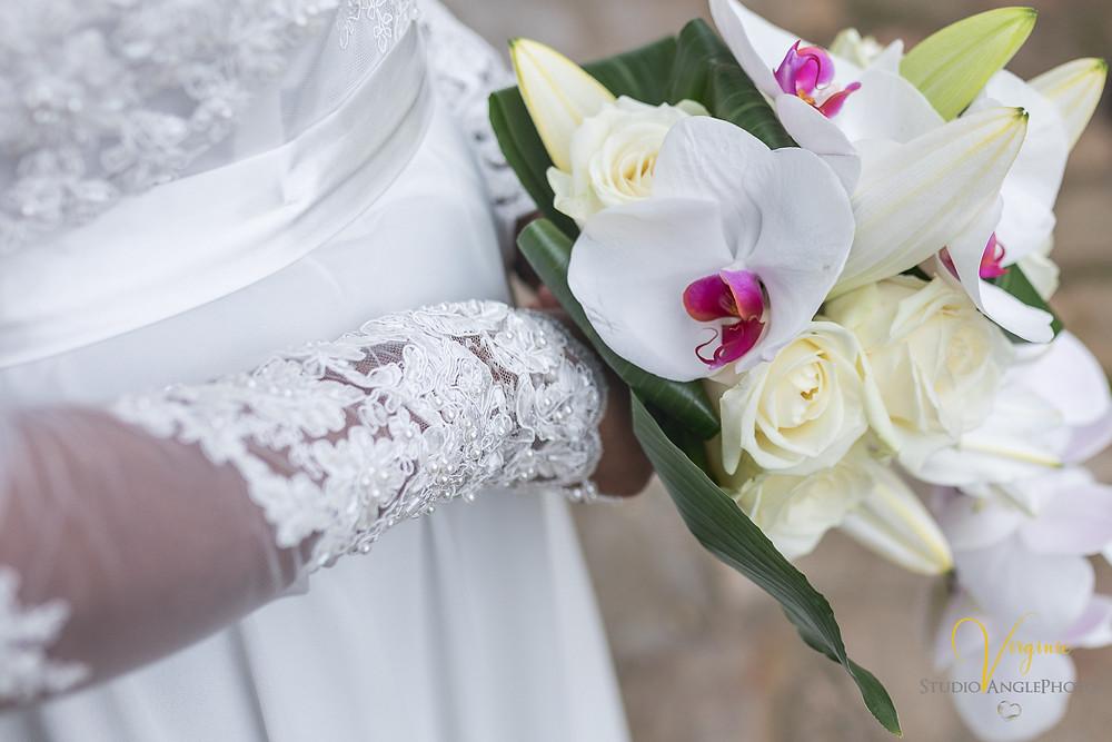 gant et bouquet de la mariée