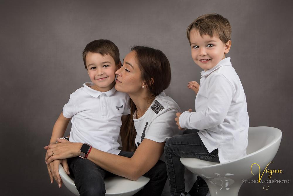 portrait maman et ses deux fils