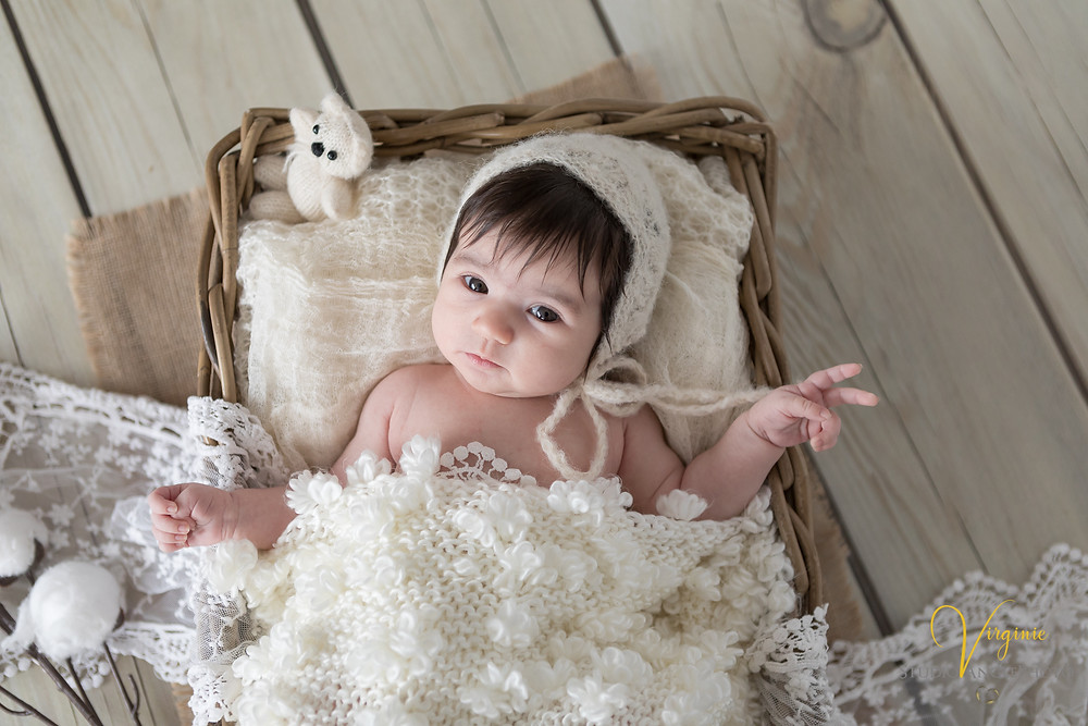 couleur crème et ambiance naturelle pour une photo bébé