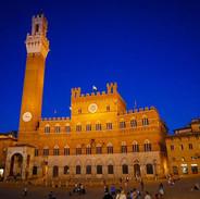 Palazzo Pubblico at night