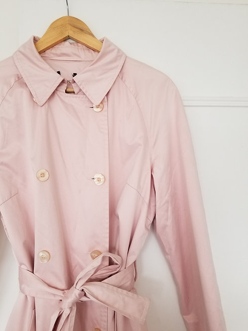 Le superbe trench rose pastel