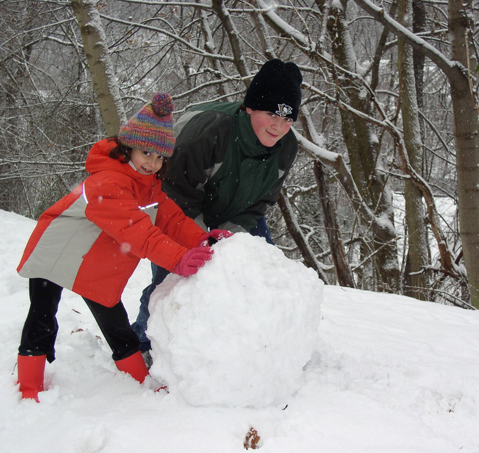 Nicholas and Dana in the Snow, Sewickley, December 2005