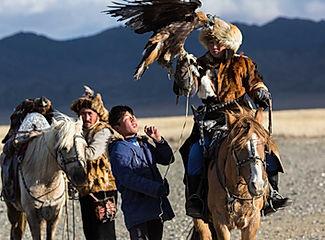 Mongolia-eagle-hunting-tour-bayan-ulgii.