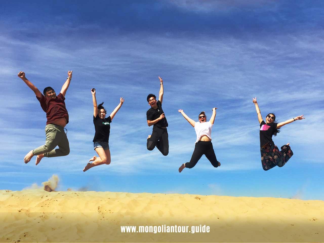 sand-dunes-jump