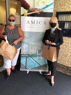MFA delivery Les & Silvia @ Amica.jpg