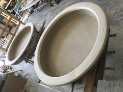 Particolare di cupola in gesso con retrostruttura metallica.