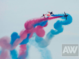 Red Arrows fly in to Sidmouth