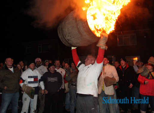 Ottery Tar Barrel night - a guide to photographing the flaming barrels