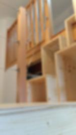 Accès mezzanine, réalisé sur mesure par Régis Planes, artisan menuisier de Cestas