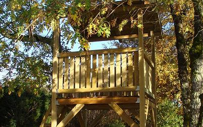 Cabane en bois construite par Régis Planes, artisan menuisier du Sud-Ouest.