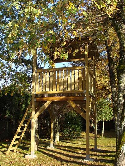 Cabane en bois réalisée par Régis Planes Agencement.