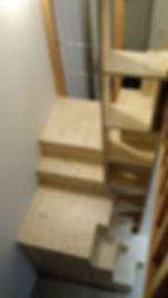 Escalier bois mezzanine réalisé par Régis Planes, artisan menuisier de Cestas