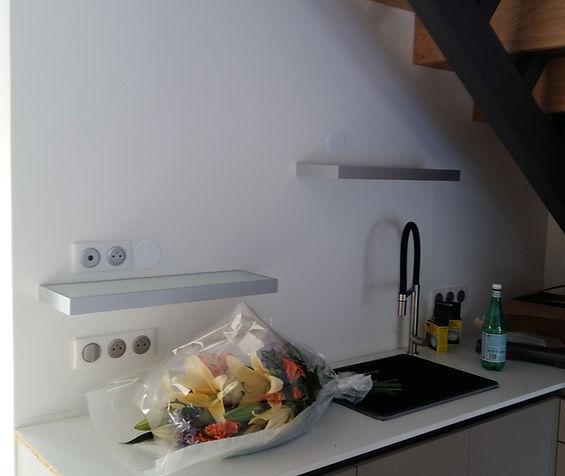 Tablettes de cuisine installée par Régis Planes, artisan menuisier agenceur de Cestas, région de Bordeaux - Gironde 33