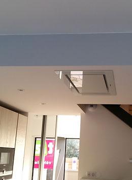 Hotte Plafond installée par Régis Planes, artisan menuisier d'agencement sur Bordeaux, Gironde (33)
