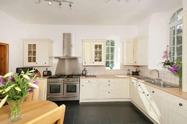 chapel_kitchen - Copy (2)