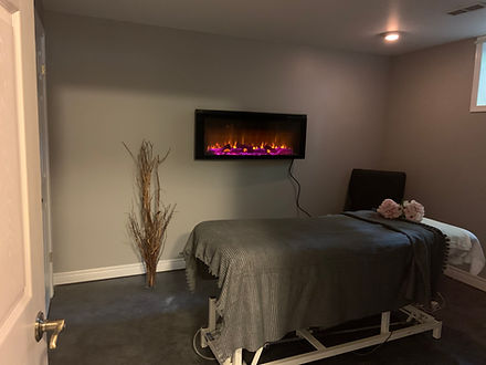 Massage Treatment room at Terra Nova Therapy. Reduce muscel tension, and get relief from chronic pain