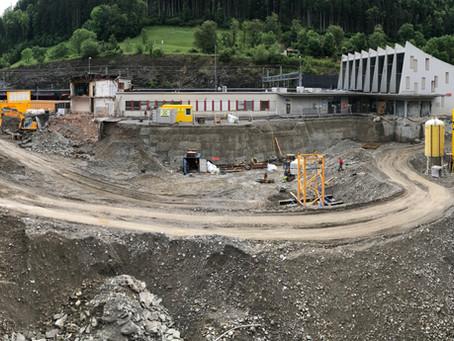 Baugrube ist kurz vor Fertigstellung