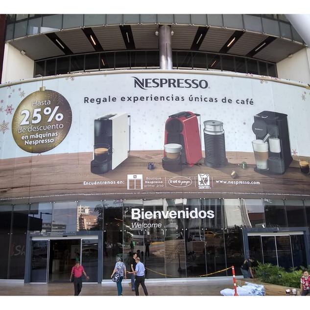 Vidriera Nespresso