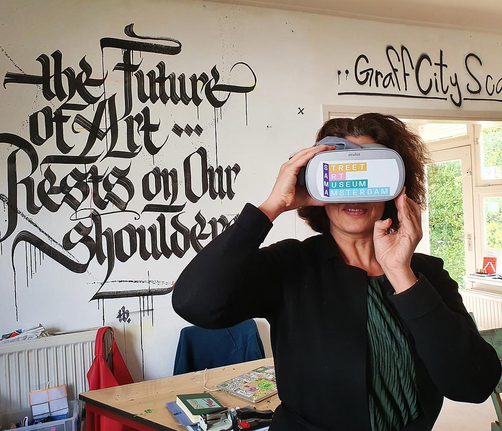 Street art museum_corona virus_VR glasses