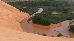 Rio corta as Dunas do Jalapão
