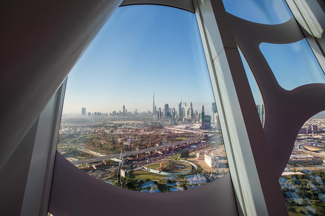 Dubai frame 3