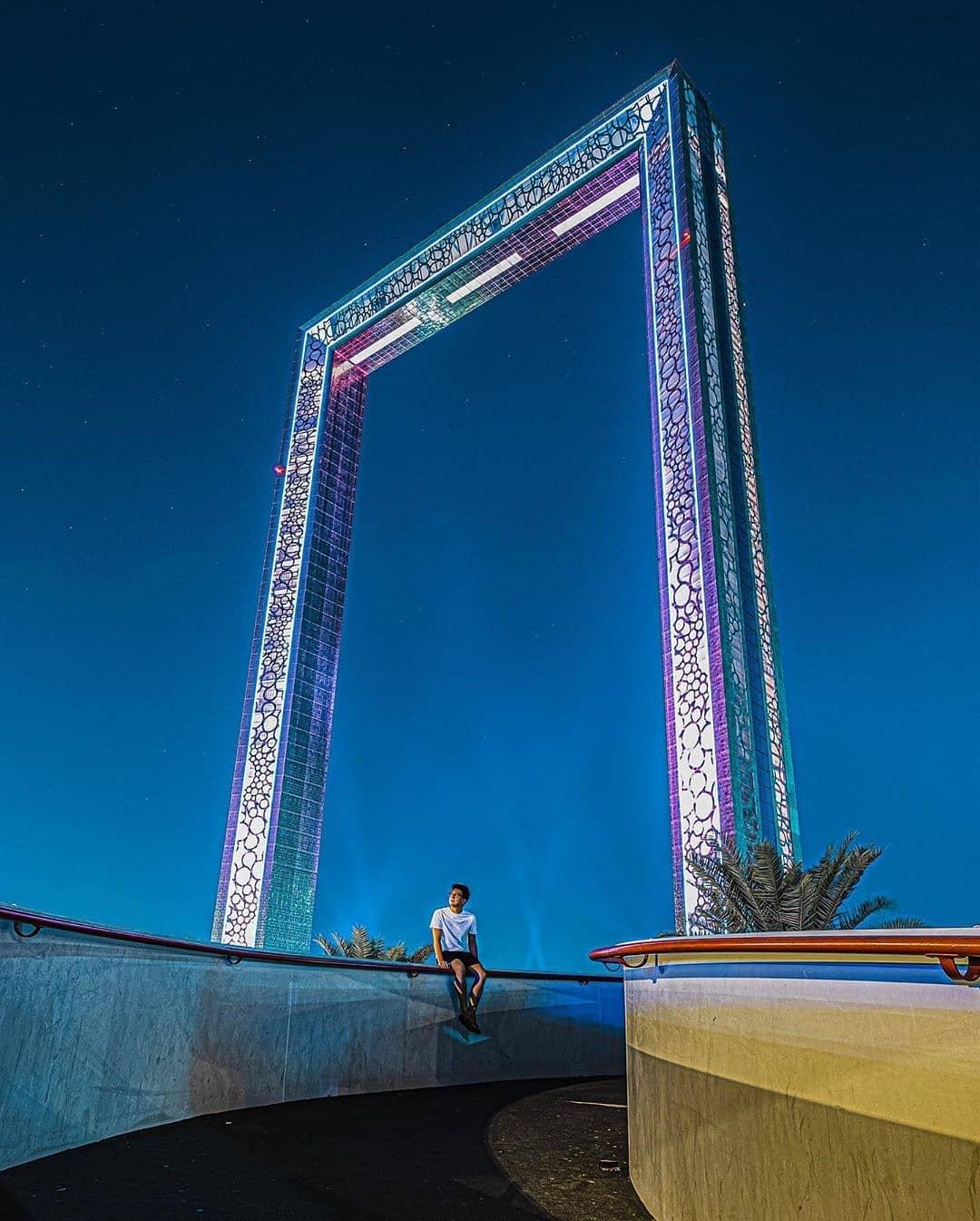 Dubai frame 4