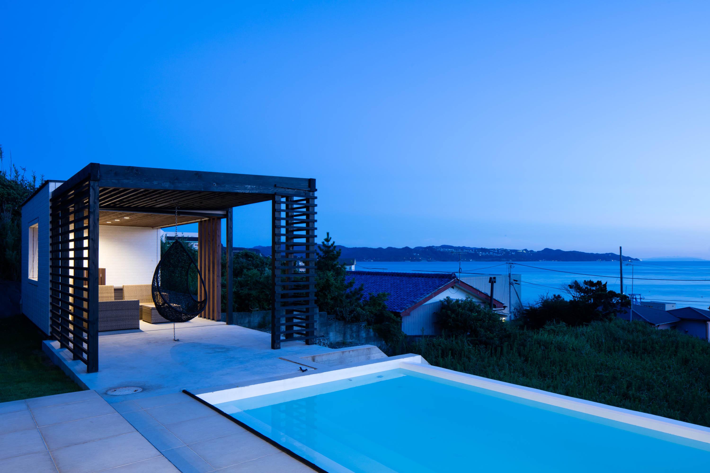 夜プールテラス / Night Pool Terrace