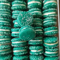 Why is the #saltedcaramel #macaron  Teal
