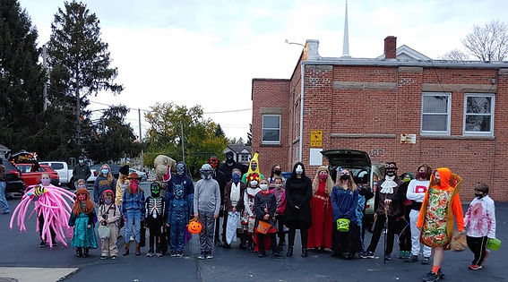 2020 Trunk or Treat group photo.jpg