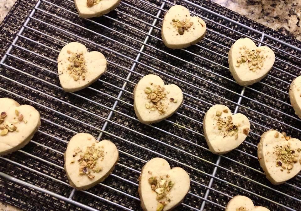 vegan saffron cookies