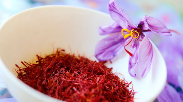 Saffron strands