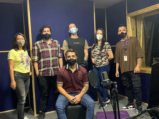 Nuestro equipo produciendo hoy, los podcast...