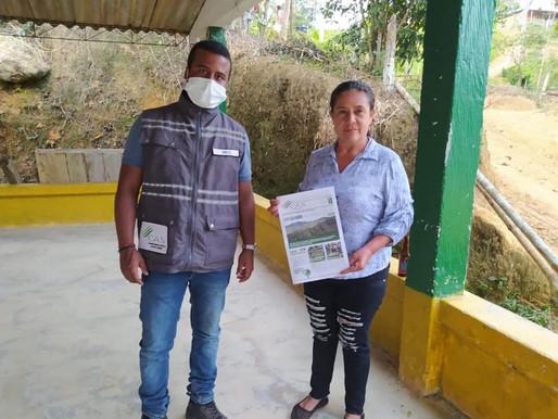 Entrega de Boletín Informativo de Compañia Aguicola de la Sierra...