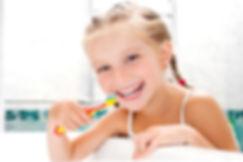 lavarsi-denti-senza-spazzolino.jpg
