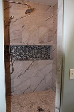 Shower niche tile details