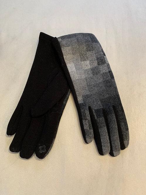 Grey/Black Checkered Winter Gloves