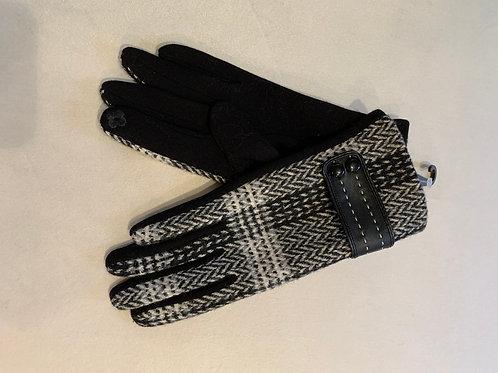 Black and Beige Pattern Winter Gloves