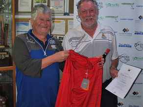 Colin Houghton accepts Hole in One award