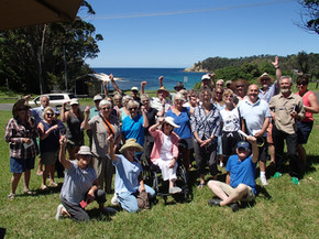 Pretty Point residents meet with councillors over proposed council land grab of a local reserve: wit