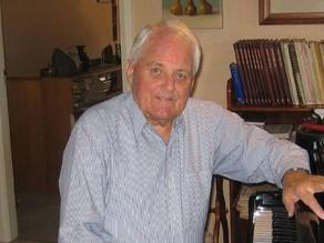 Vale: Bill Hawkey
