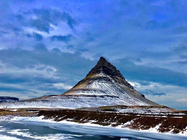 Kirkjufell valley - Chris Laursen