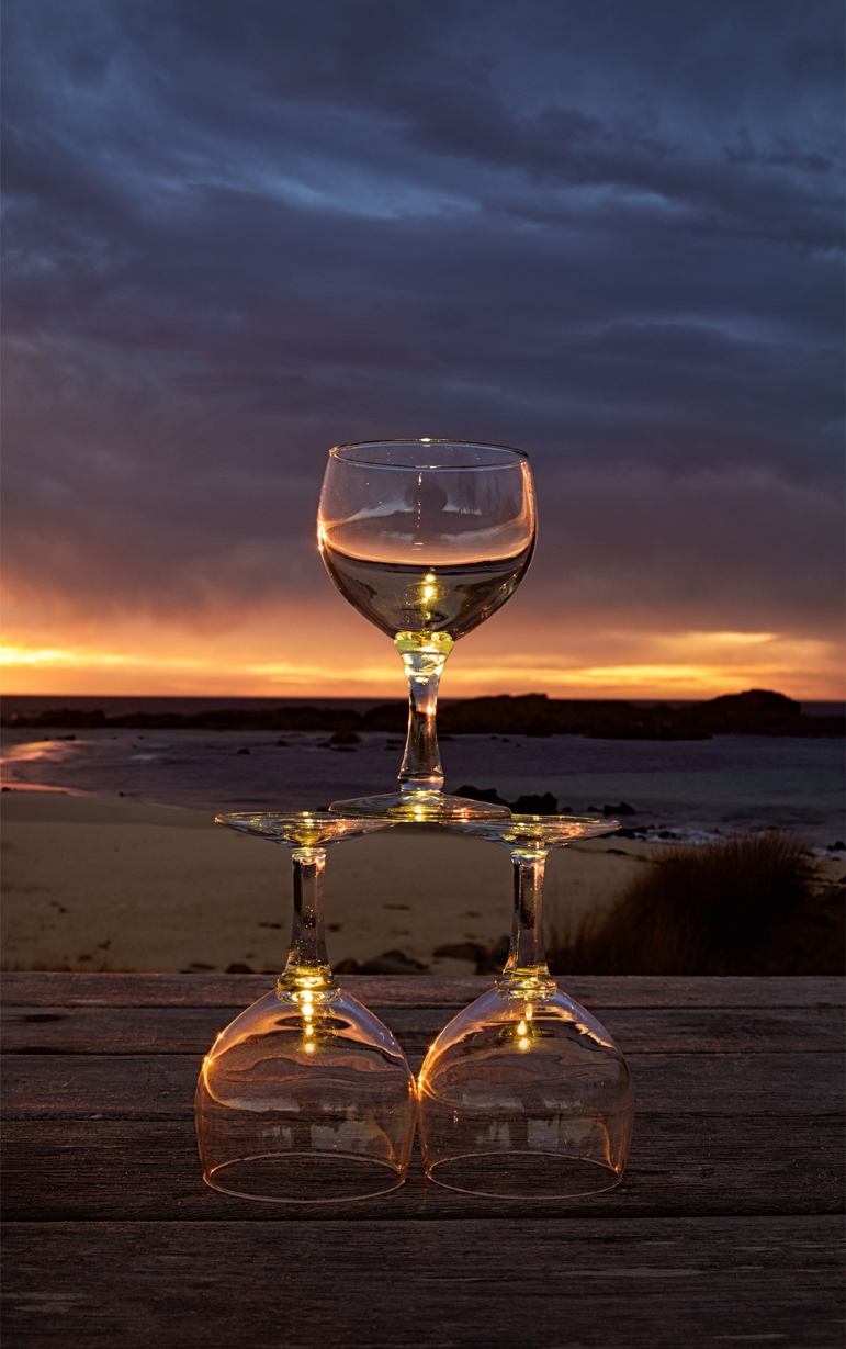 3 Glasses - Mystery Bay