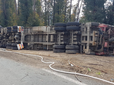 Truck Roll Over on the Clyde