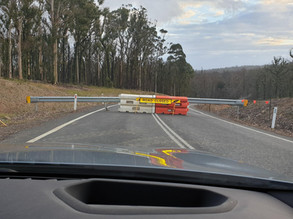 Dunns Creek: Road Closed means that the road is closed