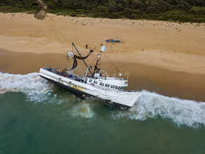 NSW Maritime request Community stay away during fishing boat salvage