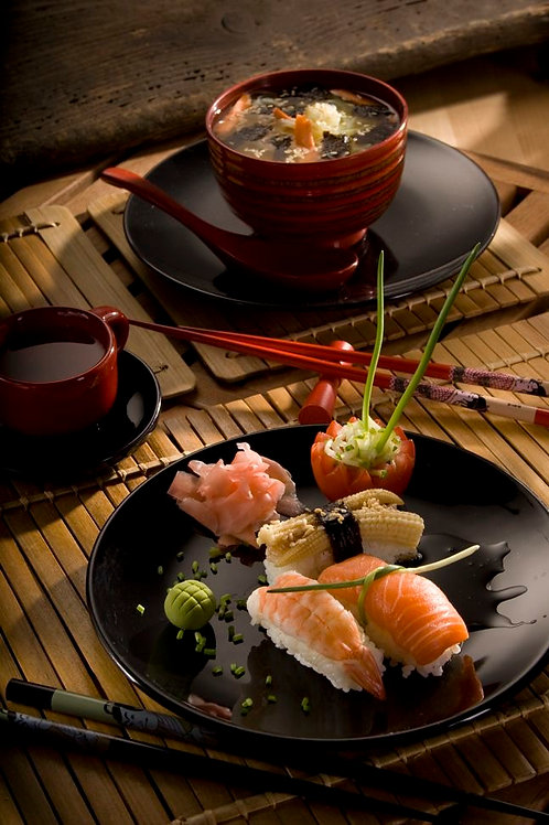XKR1042 - Well presented sushi train restaurant - High margin - Easy to manage